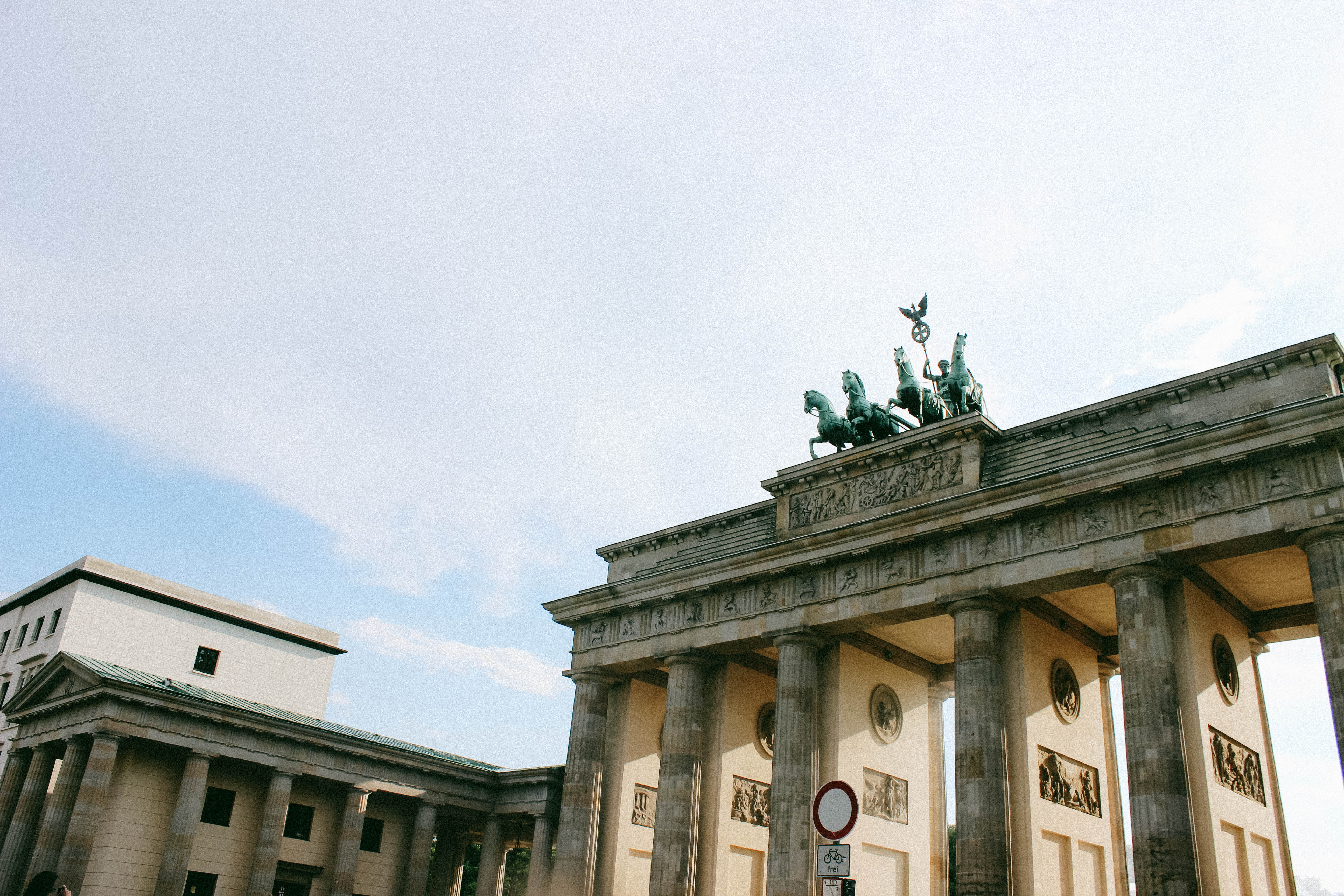 city guide berlin - brandenburg gate © Odd Aesthetics